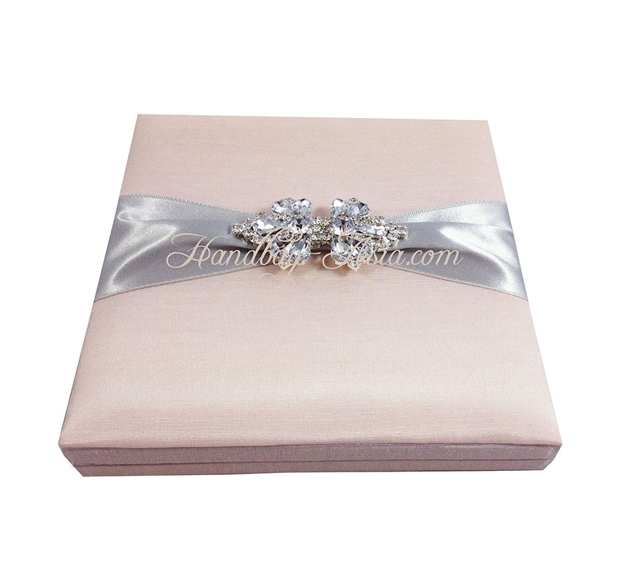 Boxed Wedding Invitation With Brooch & Hinged Lid ...