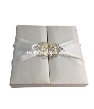 wedding box with pearl crown brooch