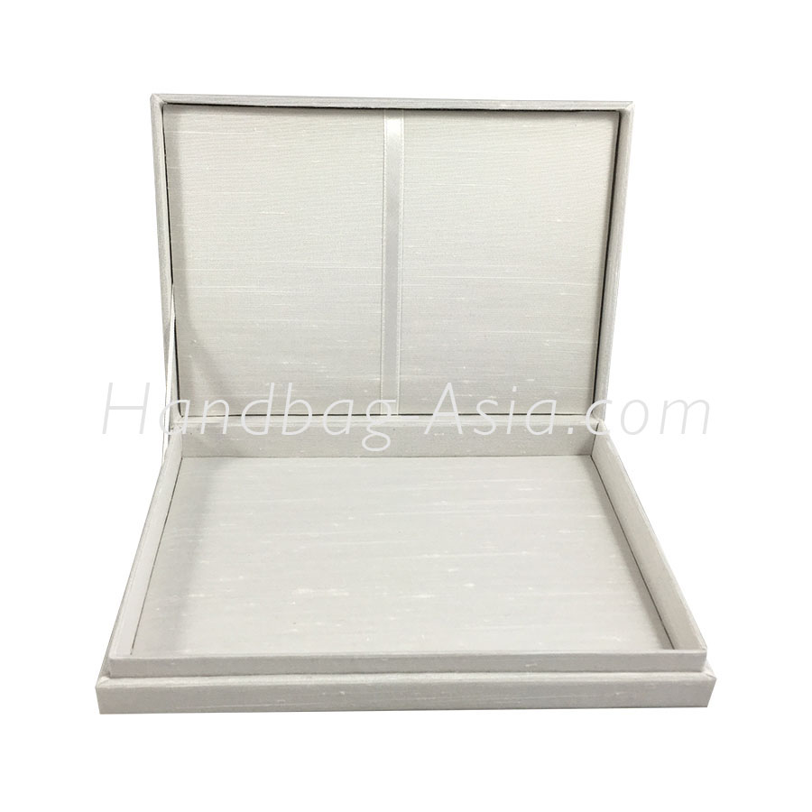 Off White Plain Silk Wedding Invitation Box With Hinged Lid ...