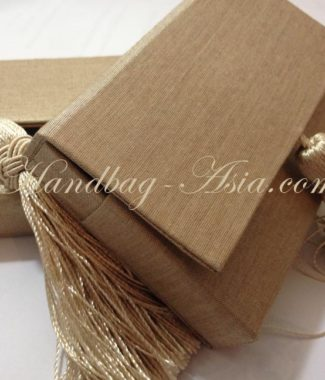 silk name-card holder with tassel embellishment and magnet lock
