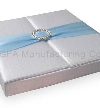 Embellished wedding gatefold box