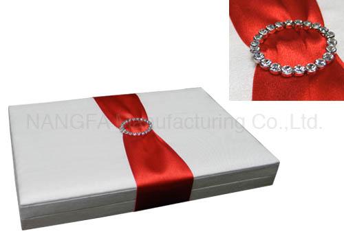 Embellished wedding boxes