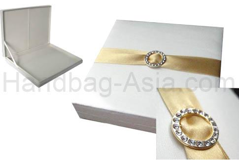 Embellished boxed wedding invitation