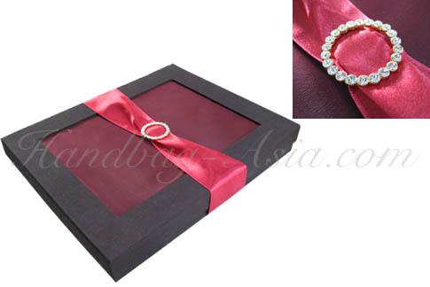 Wedding gift box embellished with crystal buckle