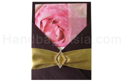 luxury silk pad with buckle embellishment