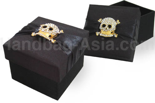Black gothic silk gift box with crystal skull for halloween party favor