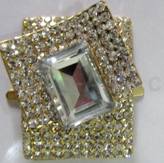 Modern crystal brooch for wedding box embellishment