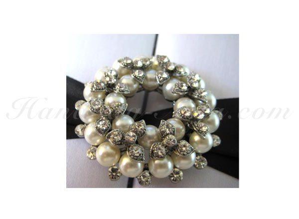 wedding pearl brooch