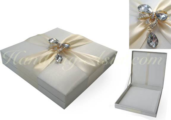 Ivory Boxed Couture Invitation