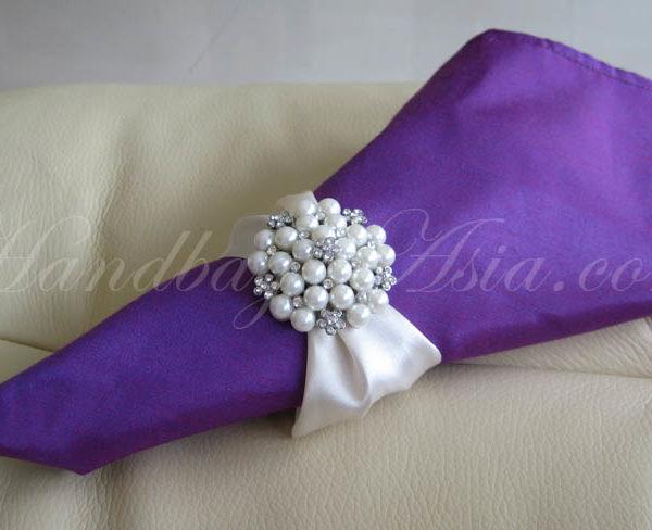silk napkin with pearl brooch napkin holder
