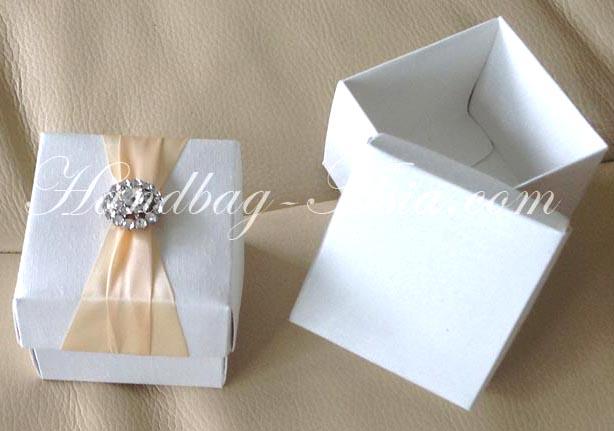 Ivory Silk Favor Box With Rhinestone Brooch