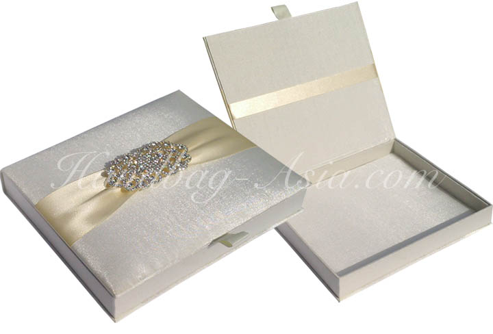 Luxury Ivory Silk Wedding Box For Invitations Handbag
