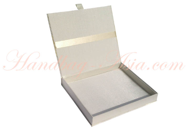 Boxed Wedding Invitations Wholesale: Plain Silk Invitation Box For Wedding