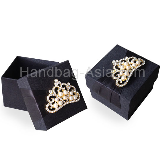 Black wedding favor box with crown brooch