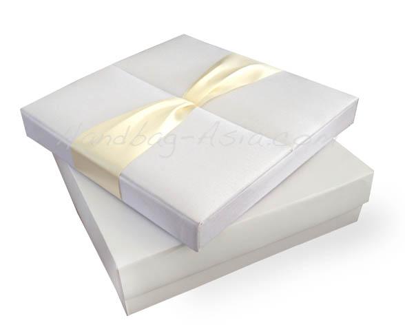 Boxed Wedding Invitations Wholesale: Gatefold Silk Box For Wedding Invitation Cards
