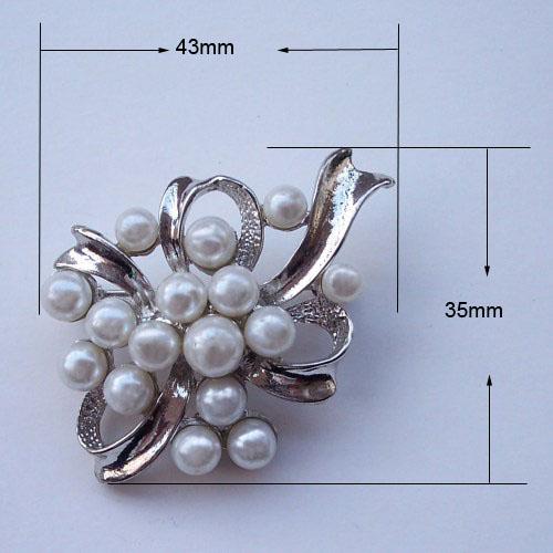 bridesmaid pearl brooch