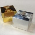 metallic favor boxes with brooch