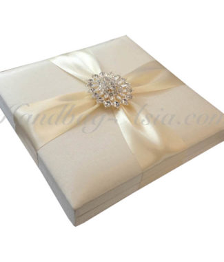 Embellished hinged lid wedding box for cards