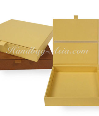 hand-made hinged lid wedding box for invitation cards