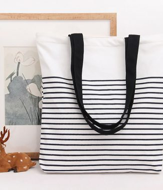 Cotton beach bag with black and white stripes