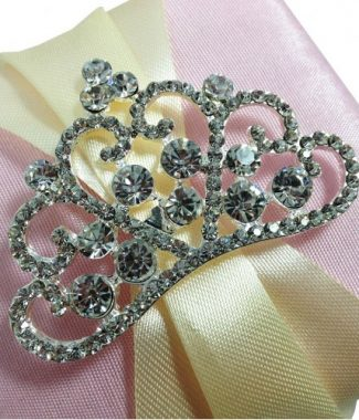 luxury crystal crown brooch