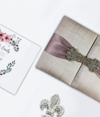 [تصویر:  luxury-thai-silk-boxes-325x380.jpg]