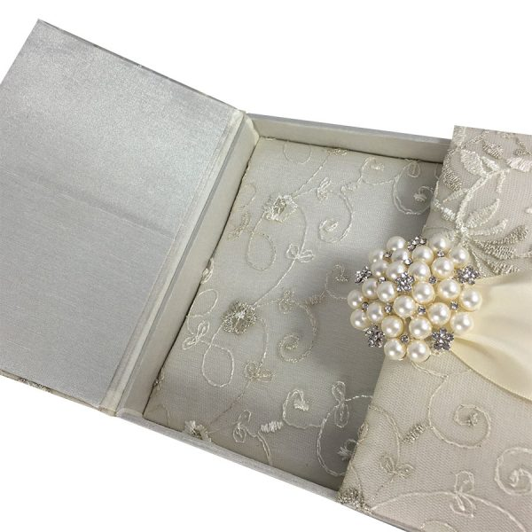 padded lace box for invitations