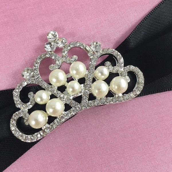 pearl crown brooch