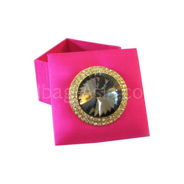 Fuchsia pink wedding favor box