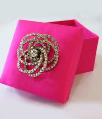 luxury pink wedding favor box