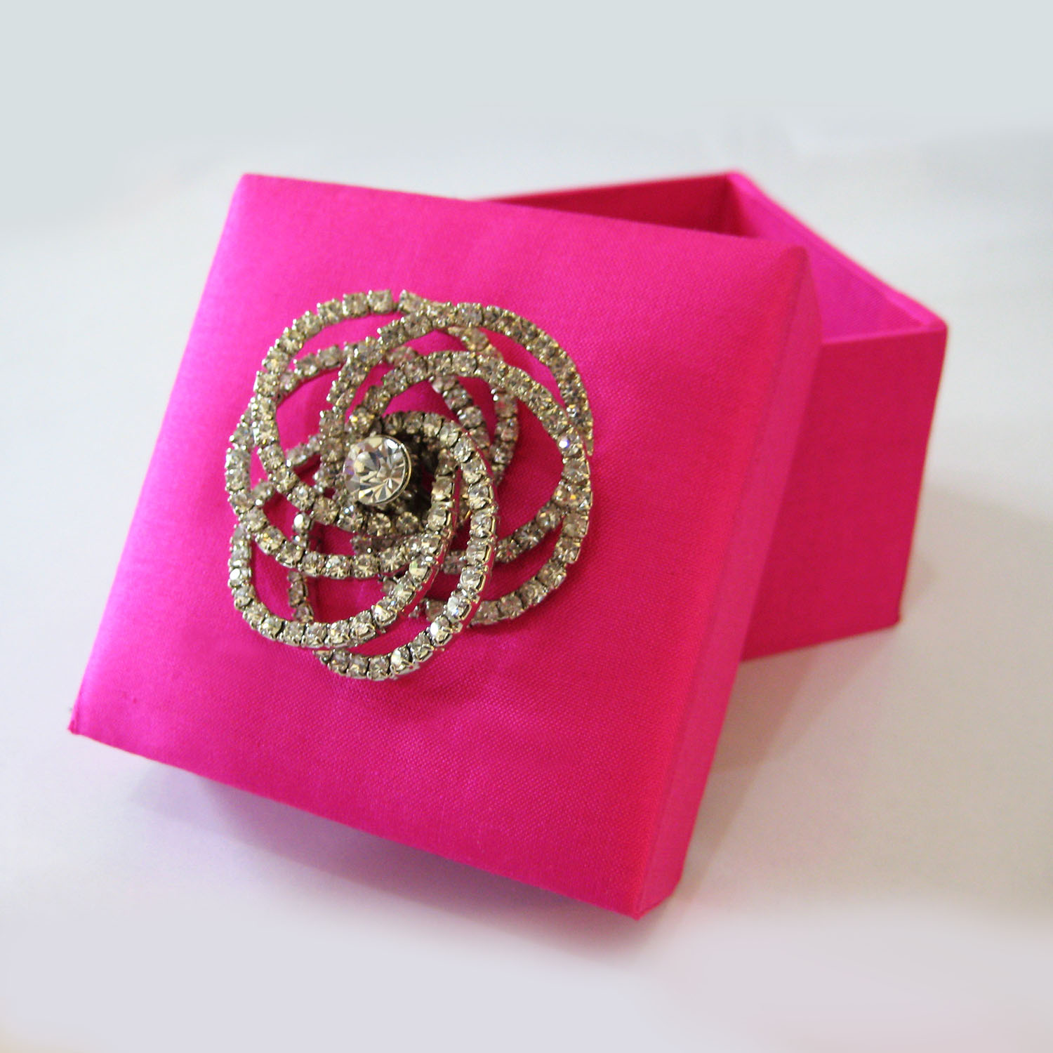 Pink Wedding Favour Box With Silk & Wedding Brooch