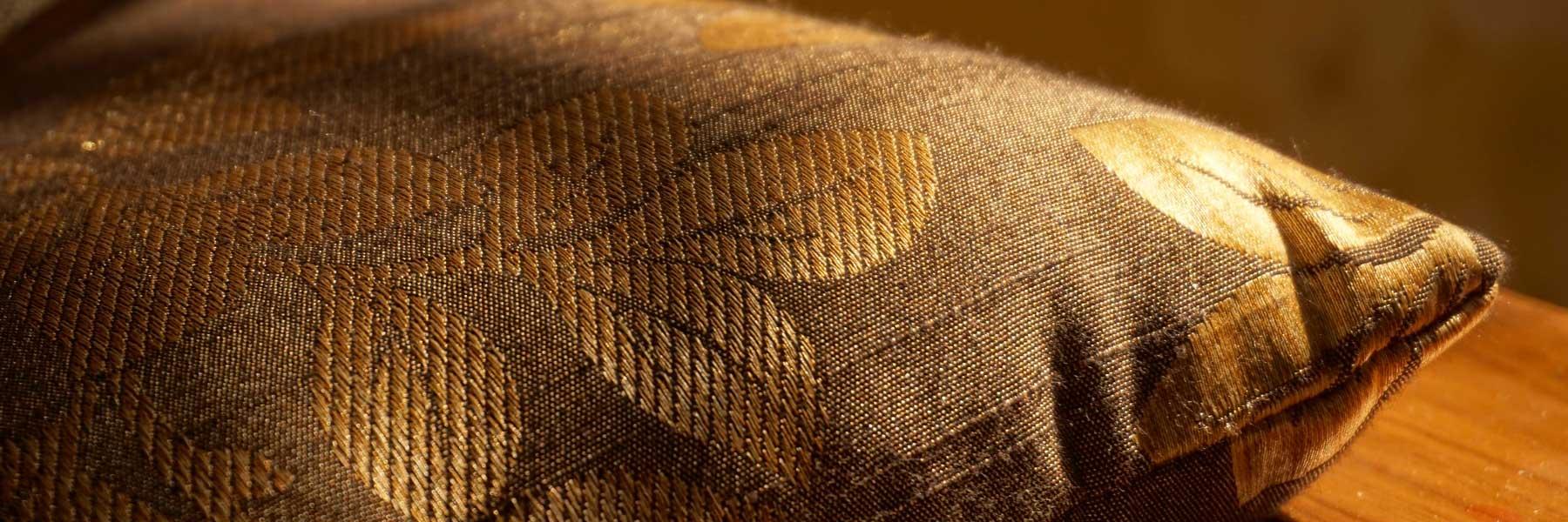Thai silk cushion and asian decor wholesale
