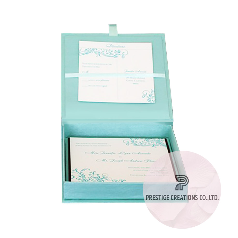 Tiffany Wedding Box With Hinged Lid For Invitation Cards