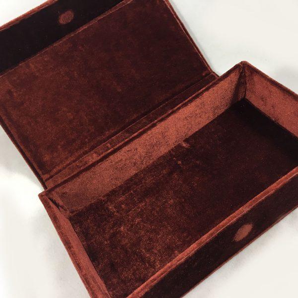magnetic velvet box
