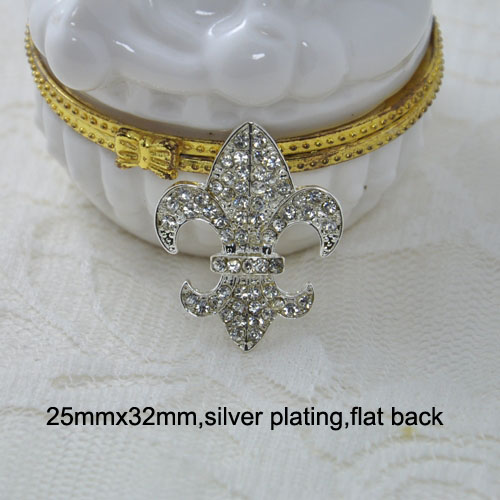 silver fleur de lis brooch