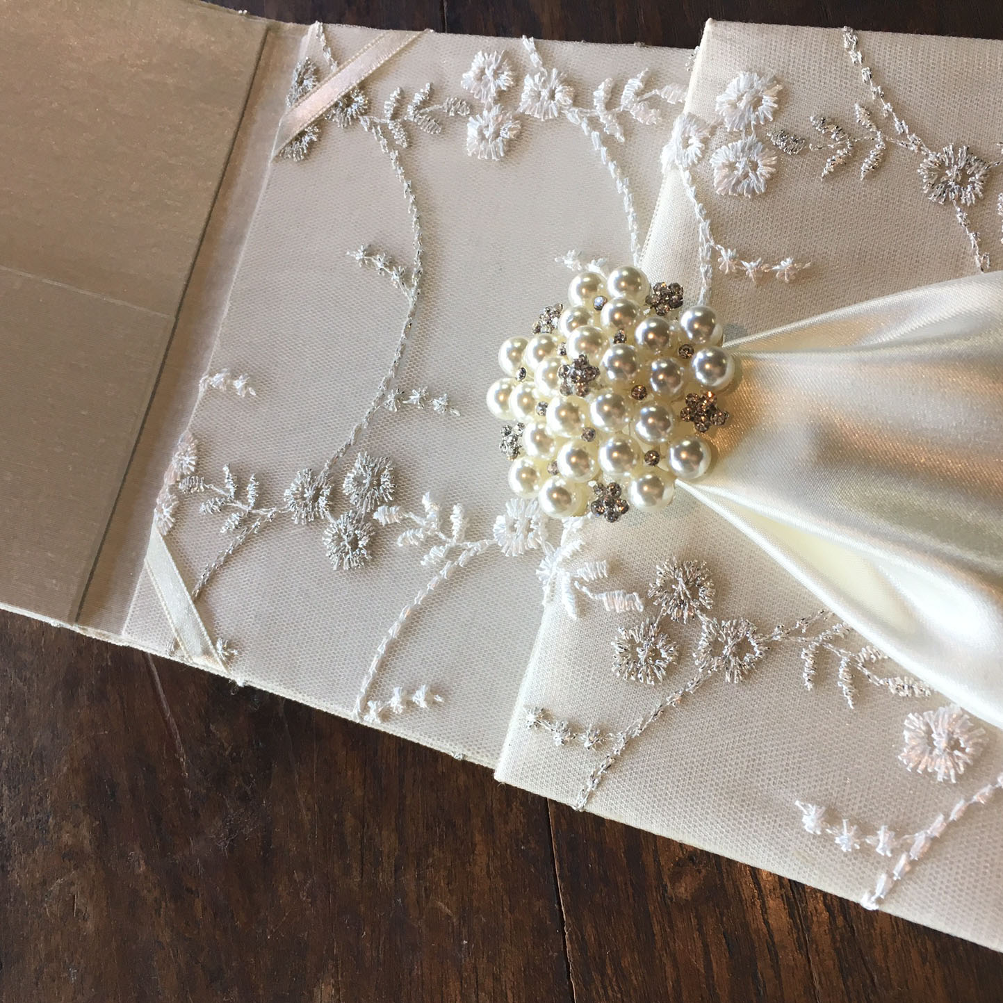 Pearl And Lace Wedding Invitations: Luxury Ivory Lace Invitation Wit Pearl