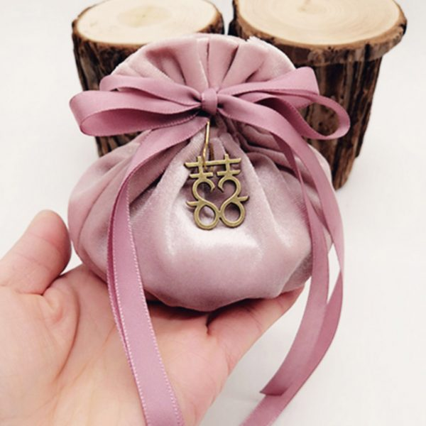 Beautiful velvet jewelry pouch